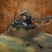 1/35 Resin Figure Model Kit German Soldier WWII WW2 Unpainted Unassembled