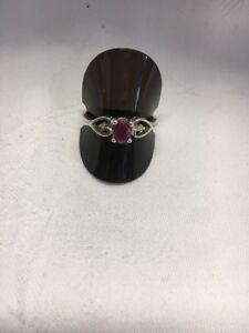 Vintage Soild Silver Red Stone Ladies Ring