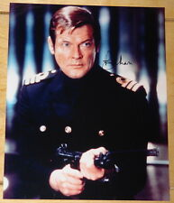 ROGER MOORE HAND SIGNED 10x8 PHOTO JAMES BOND AUTOGRAPH UACC REGISTERED DEALER