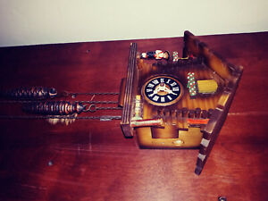 vintage small cuckoo clock , working condition.