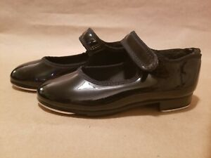 girls black shinny  leather shoes by Andrea size 13 1.5 2