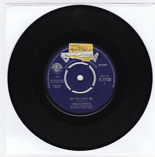 SP 45 TOURS BRIAN POOLE and THE TREMELOES DO YOU LOVE ME DECCA F.11739 en 1963