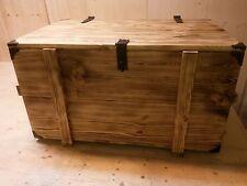 Brennholzkiste Kaminholzkiste Kiste rustikal Holztruhe geflammt mit Metallecken