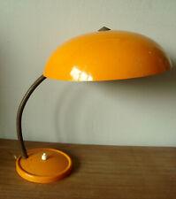 Lampe de bureau vintage - Tôle laquée orange et laiton
