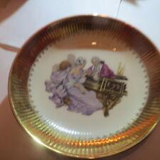 Plat de porcelaine avec couple – large bordure plaquée or  – « Gloria fine porce