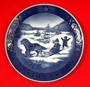 Vintage Royal Copenhagen Christmas Plate, Juleferie, Christmas Holidays, 1986