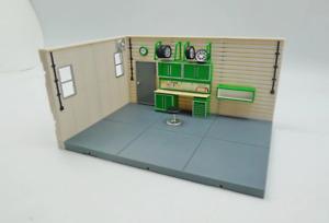 1:43 Garage Diorama Display Base