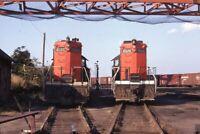 GTW CENTRAL VERMONT Railroad Locomotives NEW LONDON CT Original 1971 Photo Slide