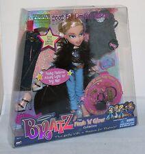 Bratz Funk 'N' Glow Collection CLOE w/Clothes & Accessories 2002 LE NEW in Box