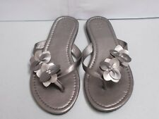 NY&C Women's Gray Faux Leather Flowers Jewelled Flip Flops Sandals Size 7