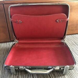 SUPER NICE Vintage AMERICAN TOURSTER Small Hipster Gray Suitcase Red Interior
