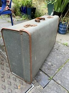 1950s 1960s Vintage Suitcase