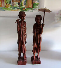 Paire de grandes statuettes en bois  de Madagascar