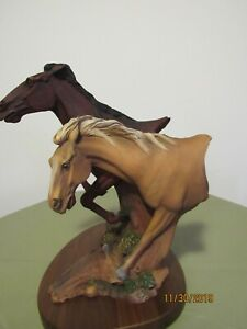 HORSE COLLECTIBLE &  RARE (1995)  NEIL ROSE #598 - FREE SPIRIT/PECAN WOOD HORSE