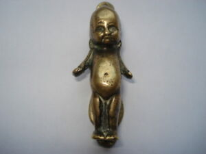 SCARCE C1920S VINTAGE KEWPIE SHAPED BRASS DOOR KNOCKER