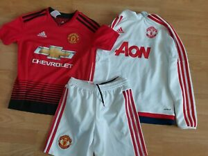 Manchester United 2018-19 (H) shirt/shorts/training Top  Size 9-10 years