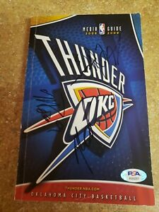 Kevin Durant Signed 1st Year in OKC 08/09 Thunder Media Guide,PSA COA