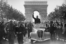 WW2 - Jacques Doriot chef du PPF sur les Champs Elysées