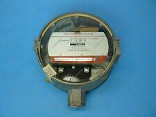 Honeywell C437G1028 Gas Pressure Switch 1/2 to 5 PSI SPST On Rise NOS
