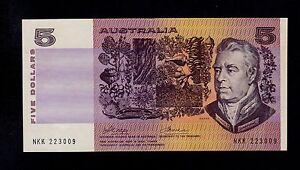 AUSTRALIA  5 DOLLARS ( 1974 )  PICK # 44a  AU-UNC.