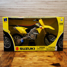 NEW RAY MODELLINO MOTO CROSS MX SUZUKI RMZ 450 SCALA 1:6 MODEL BIKE ORIGINALE