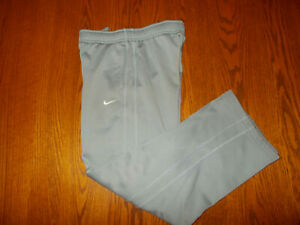 NIKE THERMA-FIT GRAY SWEATPANTS BOYS MEDIUM EXCELLENT CONDITION