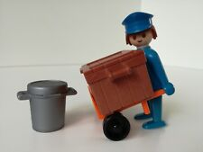 Playmobil Figure - Vintage carrier with box and barrel (Loose)