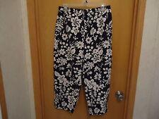 "Womens Wildlife Sportswear Size 12  Capri Pants "" EUC """