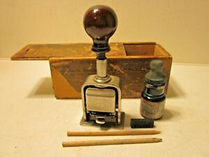 Antique 1905 The BATES Machine Co. N.Y.Automatic Numbering Stamp Model No.49 Box