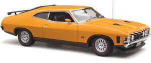 Ford XA Falcon RPO83 Coupe Yellow Fire  1:18 Classic Carlectables
