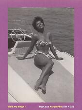PHOTO DE PRESSE 1960 : HELEN WILLIAMS, CÉLÈBRE MANNEQUIN NOIR AMÉRICAIN -P258