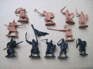 Russian Knights & Saracens . Very flexible Biplant 1/32 PVC