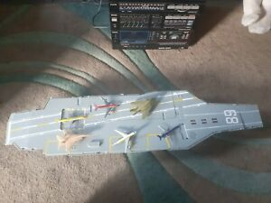 Aircraft carrier toy