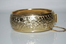 VINTAGE CORO PEGASUS LARGE BOLD GOLD TONED METAL ACORN & LEAVES CUFF BRACELET