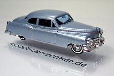Busch 43433 Cadillac Baujahr 1952 silberblau metallic Scale 1 87 NEU OVP
