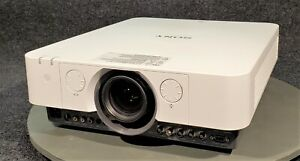 SONY VPL-FH36 WUXGA DIGITAL PROJECTOR. ONLY 563 LAMP HOURS!!!