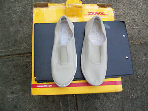 Womens Size 7 Pale Green Canvas Slip On Shoe