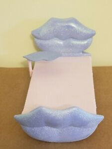 Bratz Funky Fashion Beauty Bed Sparkly Purple + Lip Side Table MGA 2002