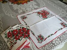 Fabric Dinner Napkins 17 x 17 Set of 4 Christmas Poinsettia Vintage
