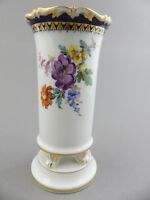 Vase auf 4 Füßen A-Kante Blumenbukett - Meissen - H. 14 cm - 1.Wahl - TOP