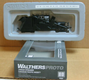 WALTHERS 920-110118 HO Jordan Spreader Canadian Pacific #402877
