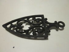 2 VINTAGE CAST IRON TRIVET KITCHEN TRIVETS BROOM & TASSEL AND HEART IRON TRIVET
