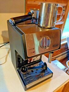DeLonghi ECP3220 15 Bar Espresso and Cappuccino Machine - Used, but works great