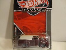 Hot Wheels Garage Burgundy '56 Ford Panel Truck w/Real Riders