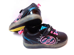 Heelys X2 Pow Lighted Schuhe mit Rollen Sneakers schwarz/neon blau/ pink Gr. 33