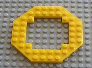 LEGO AQUAZONE Yellow Plate 10 x 10 Octagonal Open Center ref 6063 / Set 6195