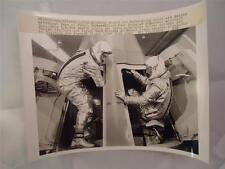 Vtg Press Photo NASA Gemini spacecraft Gus Grissom John Young Astronaut McDonnel