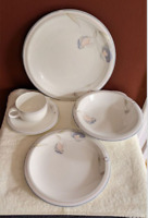 Mikasa Maxima Cheers 19 pc Dinnerware Set Service for 4 Super Strong China CL906