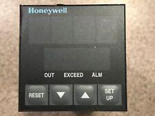 Honeywell Temperature Controller model UDC1000