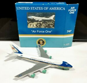 Schabak 901-68 1:600 scale USAF Air Force One Boeing 747 model plane airline